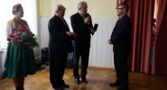Dr Tomasz Wicherkiewicz becomes a honorary citizen of Wilamowice